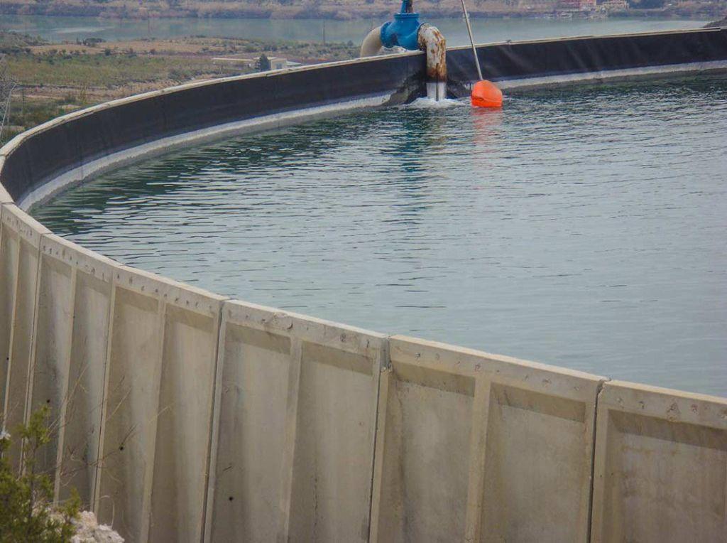 Dep sitos y estanques for Estanque de agua potable easy